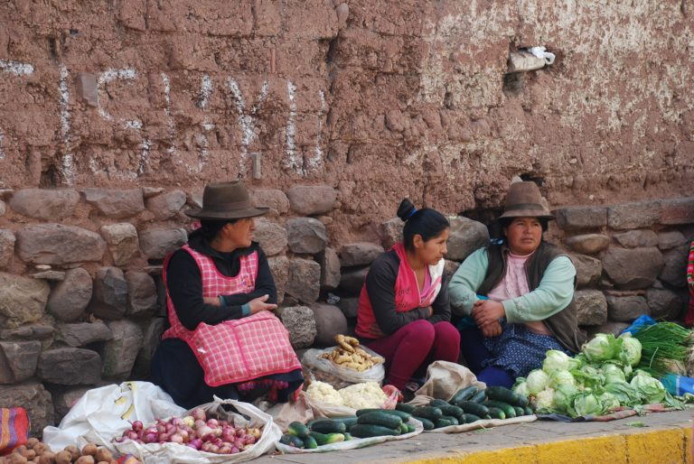 How to travel on a budget. Money Saving tips for South America