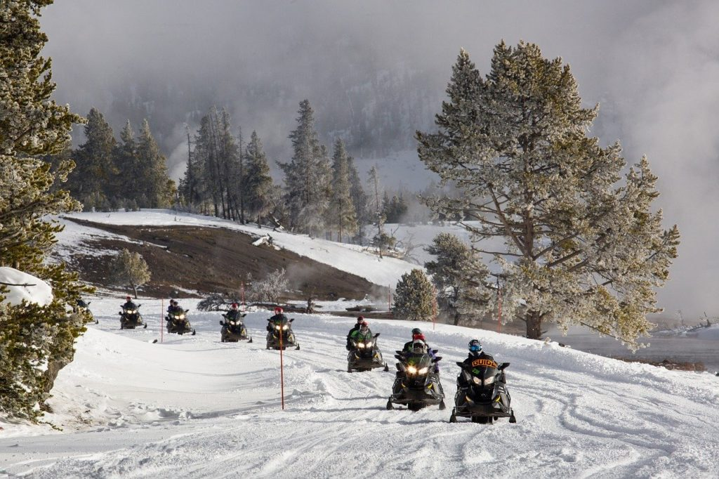 travel guide snowmobile